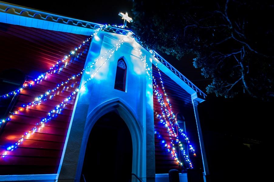 善長谷教会のクリスマスイルミネーション