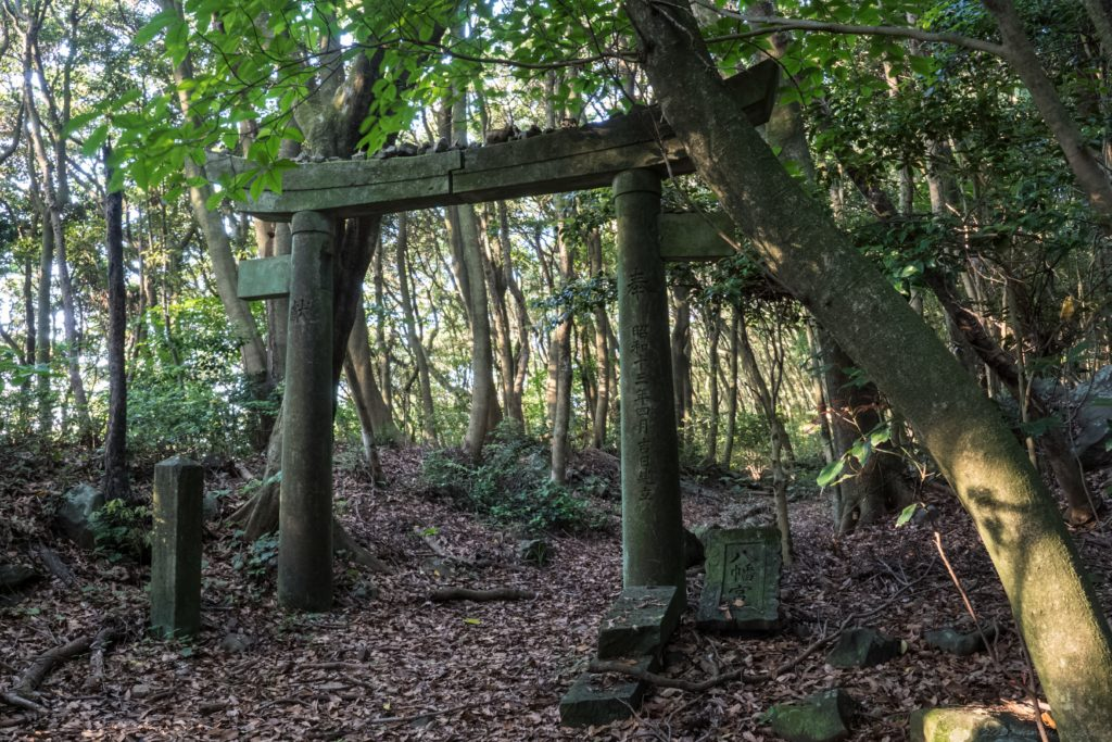 俵石八幡神社の第一鳥居