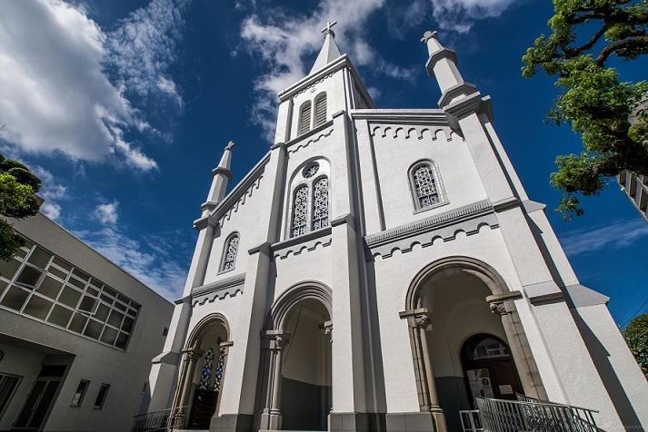 「中町教会」【この教会は、世界中の愛でみちている。】
