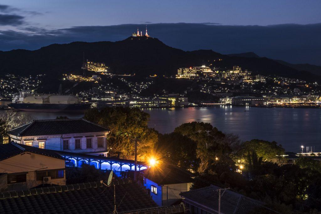 グラバースカイロード展望所からの長崎の夜景(稲佐山方面)