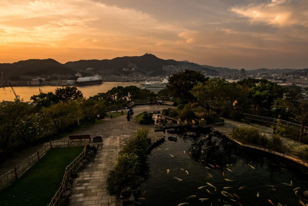 グラバー園、旧三菱第2ドックハウスの2階ベランダからの長崎の夕景