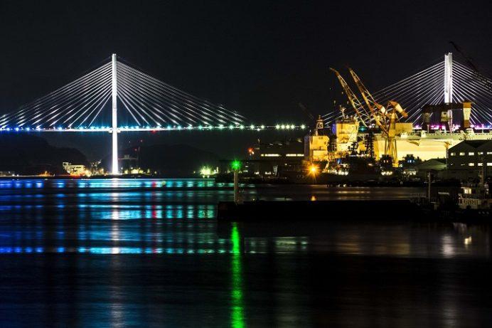 長崎県庁舎前埠頭からの新世界三大夜景の長崎の夜景
