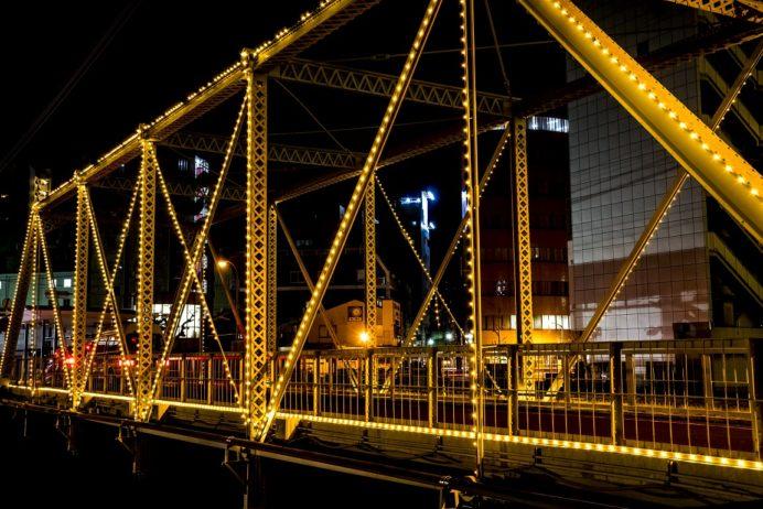 ライトアップされた出島橋