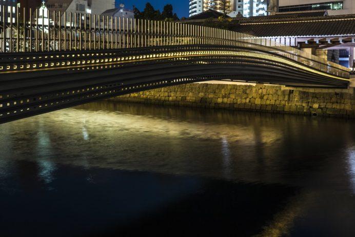 ライトアップされた出島表門橋