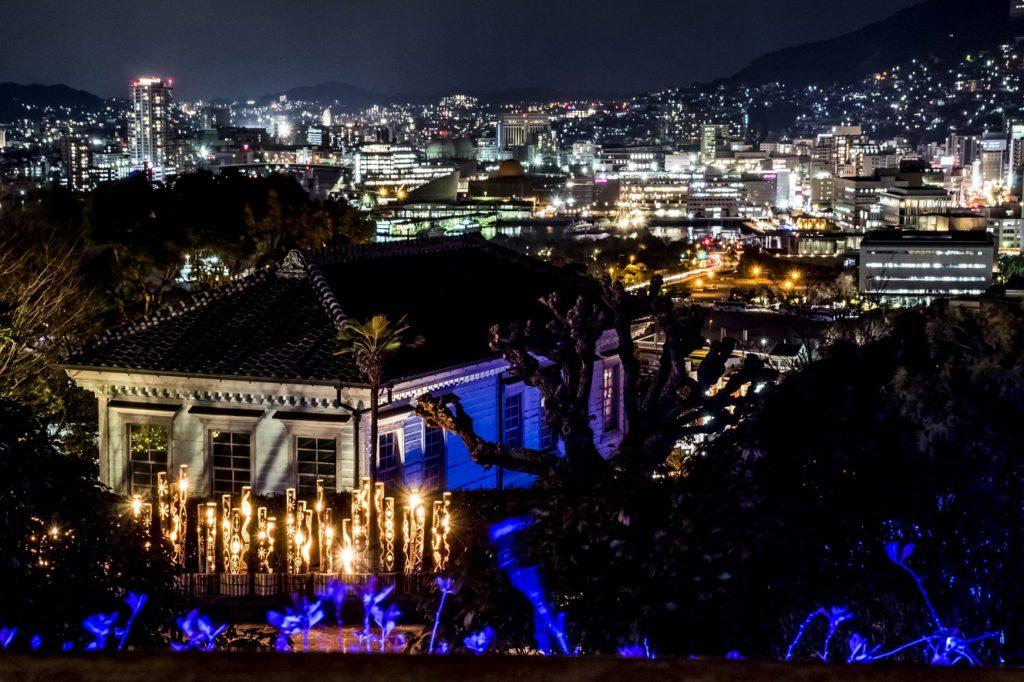 グラバー園内にある旧三菱第2ドックハウス庭園からの長崎の夜景