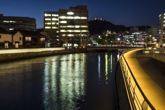 出島表門橋からの長崎の夜景