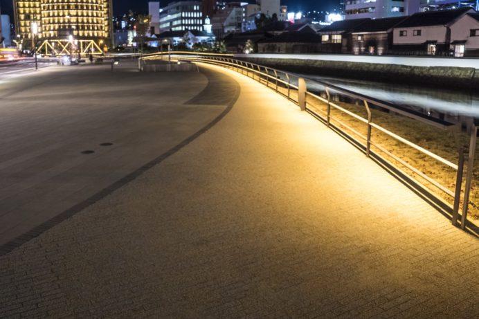 夜の出島表門橋公園
