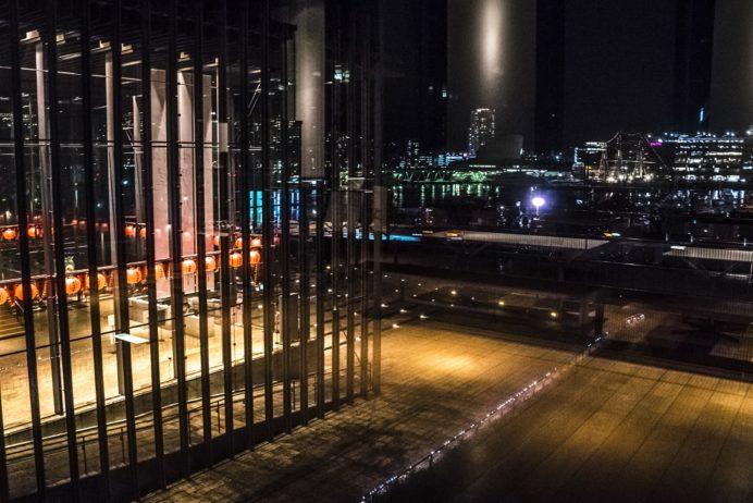 夜の長崎県美術館