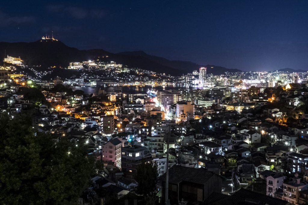 出雲近隣公園からの新世界三大夜景の長崎の夜景
