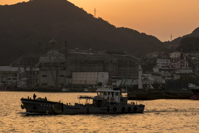 長崎港ターミナルふ頭からの長崎の夕景