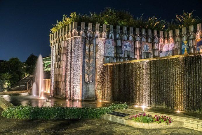 ライトアップされたグラバー園の歴史の泉