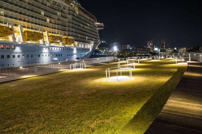 松が枝国際ターミナル屋上デッキからの長崎の夜景