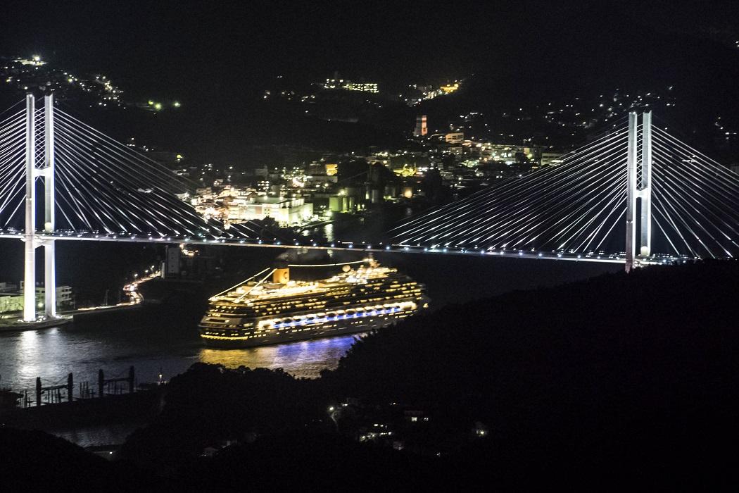 稲佐山山頂展望台 「ビュータワー」からの女神大橋