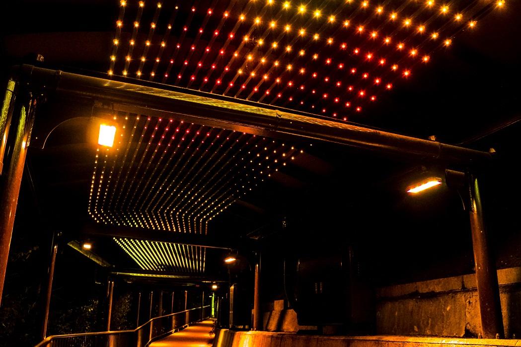稲佐山展望台の光のトンネル