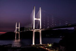 「女神大橋 駐車場からの夜景」~車内鑑賞スポットの人気№1。ライトアップされた大橋は、ムード120万点