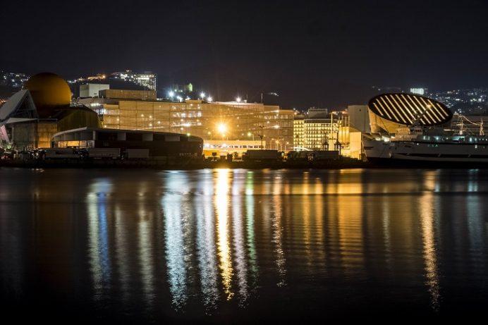 丸尾町岸壁からの長崎の夜景