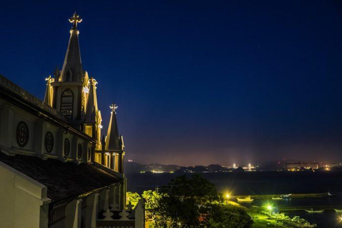 ライトアップされた馬込教会(沖之島教会)