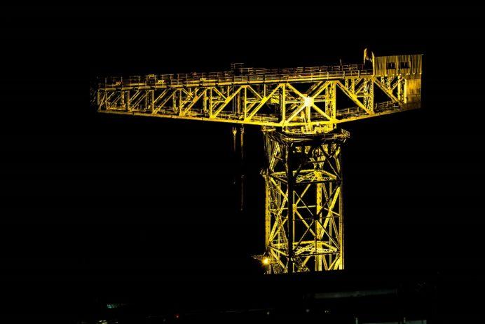 稲佐山山頂展望台からのライトアップされたジャイアント・カンチレバークレーン