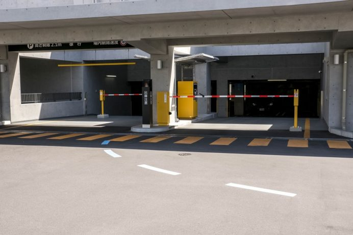 長崎県庁駐車場