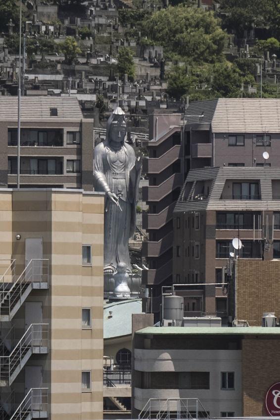 長崎県庁新庁舎8階展望室からの長崎観音