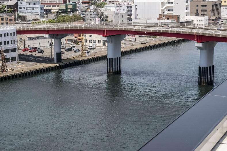 長崎県庁新庁舎8階展望室からの旭大橋