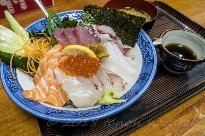 お食事の店 萬福の海鮮丼