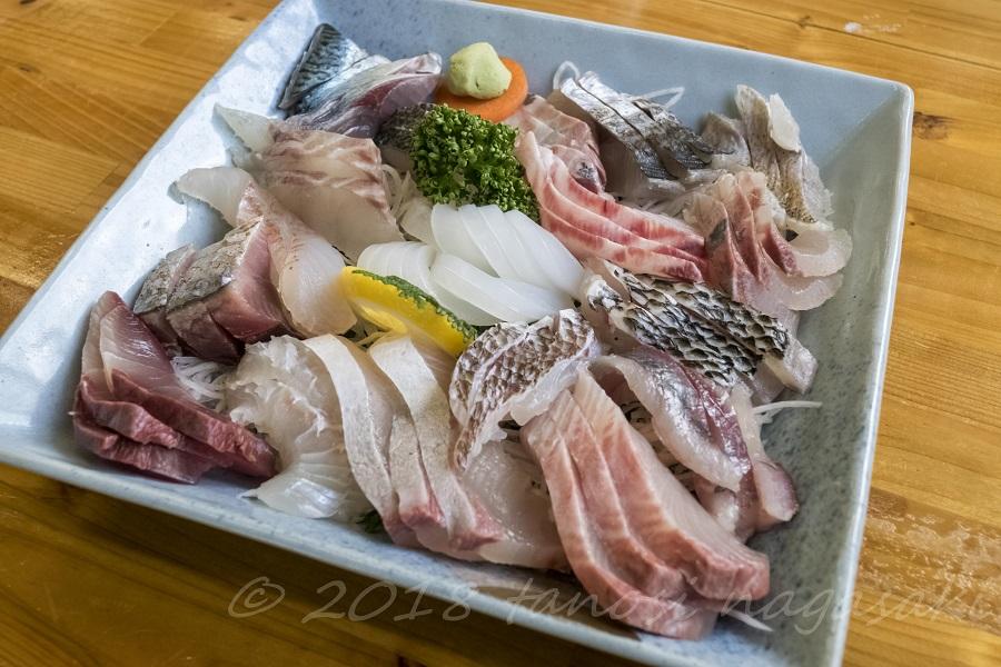 漁師食堂 母々の手(かかのて)  (主師町)