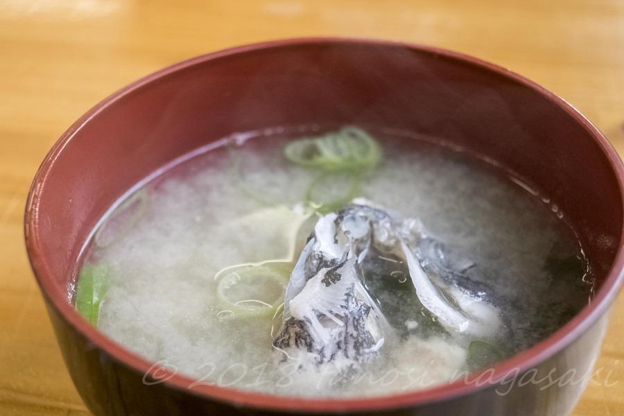 漁師食堂 母々の手(かかのて)  (主師町)のアラ汁