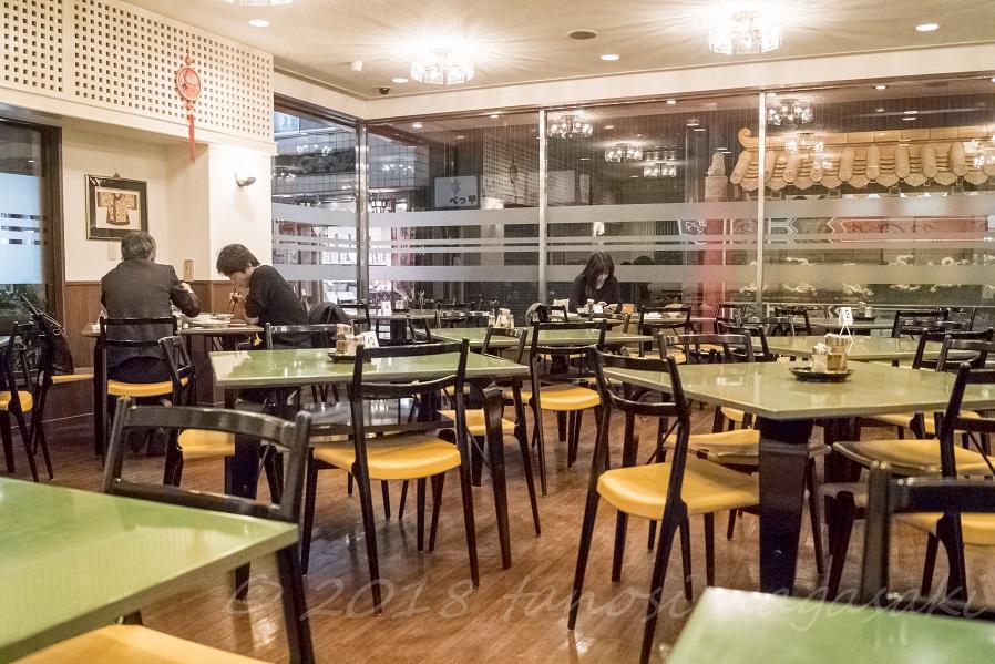 江山楼の新地中華街本店の内装