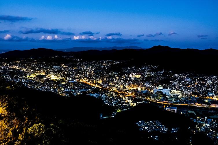 稲佐山山頂展望台 「ビュータワー」からの新世界三大夜景認定、長崎の夜景、浦上方面