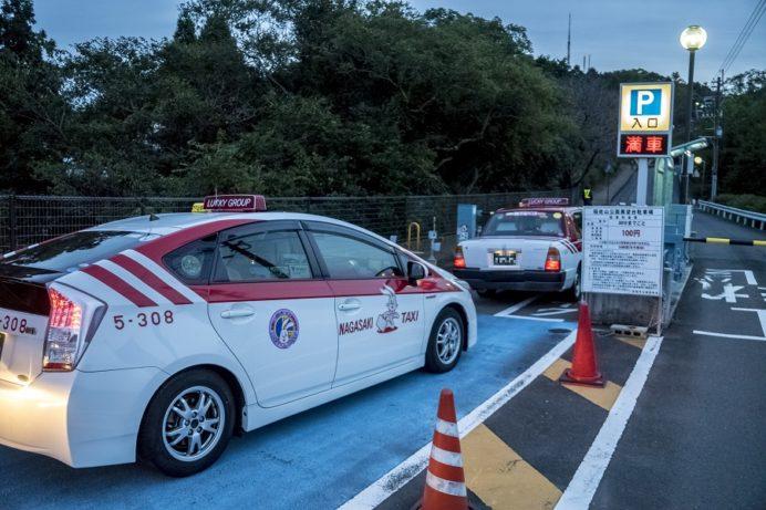 稲佐山駐車場でのタクシーの渋滞