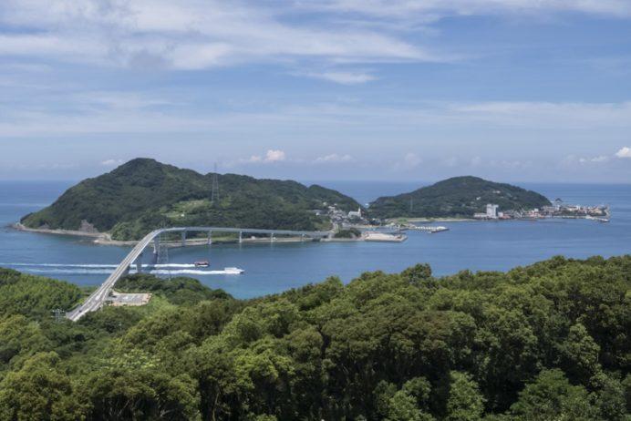 伊王島(香焼総合公園展望台より)