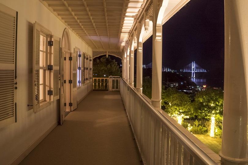 グラバー園、旧三菱第2ドックハウス2階ベランダからの長崎の夜景