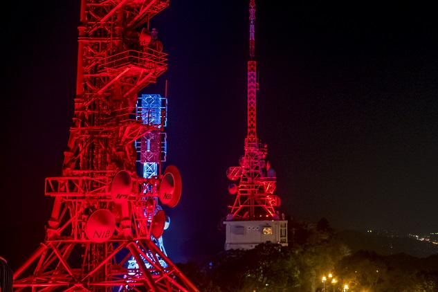 稲佐山電波塔のライトアップ