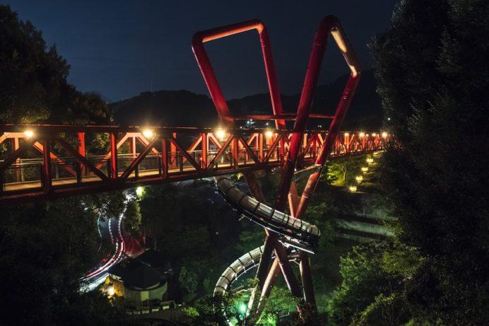 中尾城公園展望台(長与町丸田郷中尾)からのライトアップされるエアロブリッジ