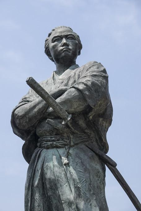 若宮稲荷神社の坂本龍馬之像
