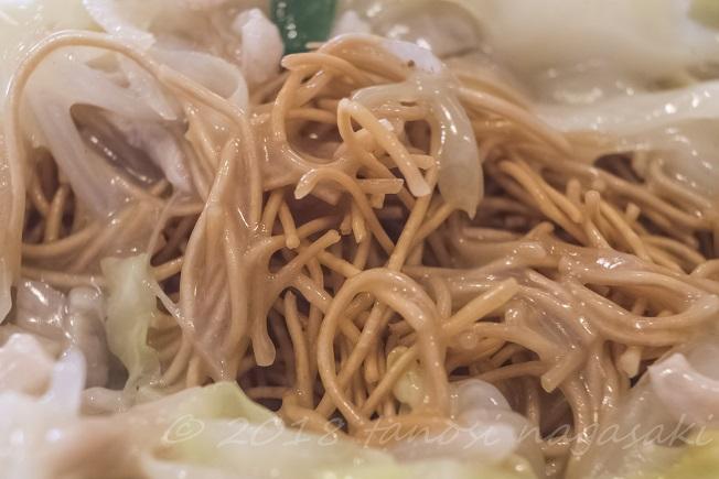 江山楼の特上皿うどん(細麺)のパリパリ麺