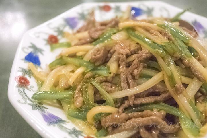 江山楼の青椒肉絲 (チンジャオロース) ~ピーマンと牛肉の細切り炒め)