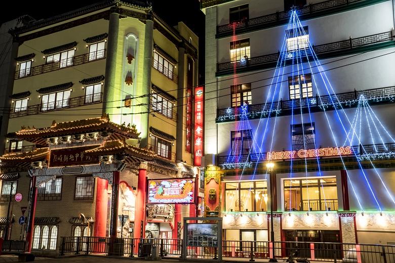 中国名菜京華園のクリスマスツリーのイルミネーション(長崎新地中華街)