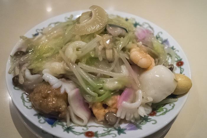 江山楼の特上皿うどん(細麺)