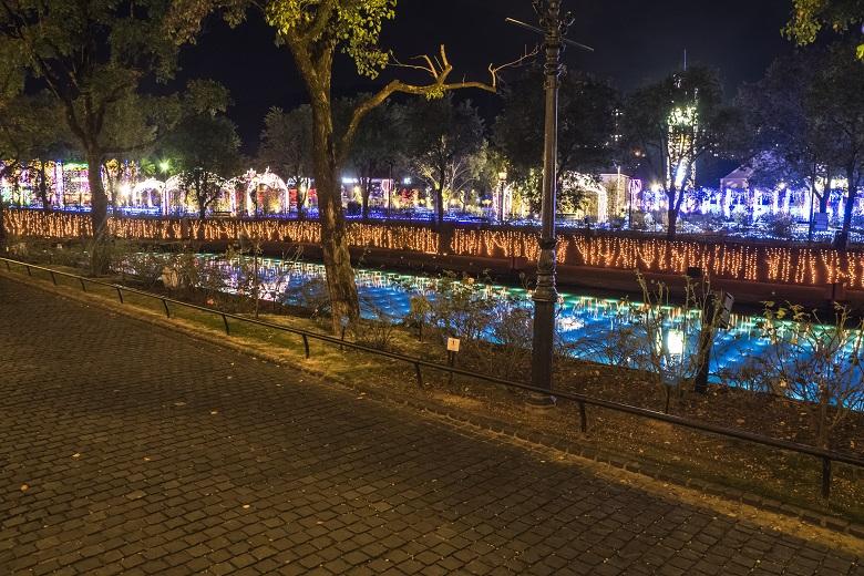 光と音楽の運河パレードを見れるポイント(ハウステンボス)
