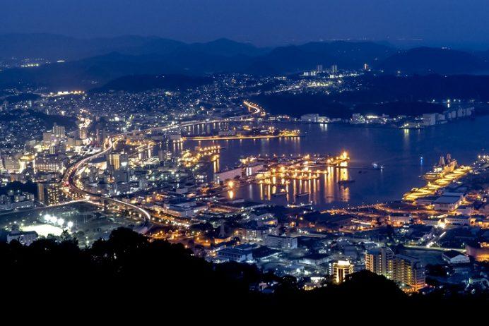 弓張岳展望台(佐世保市小野町)からの夜景