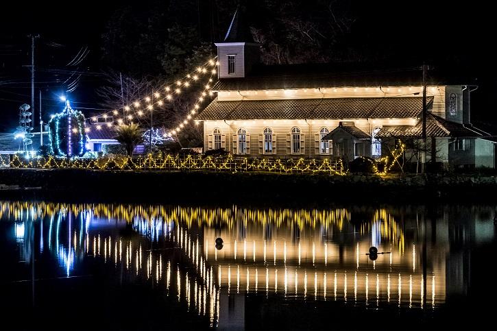 中ノ浦教会(長崎県上五島町)のクリスマスイルミネーション