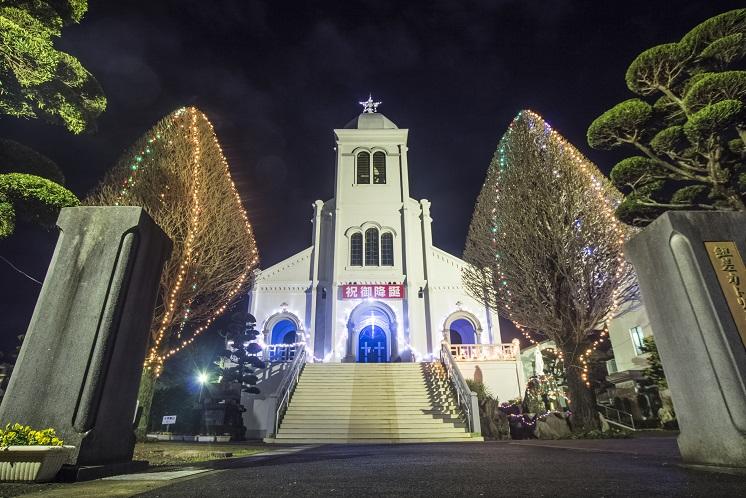 紐差教会のクリスマスイルミネーション(平戸市)
