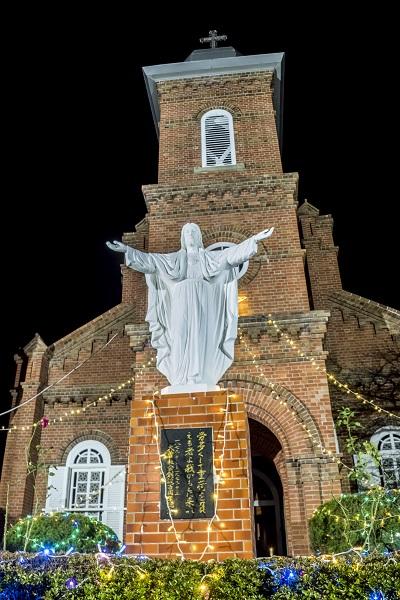 大曽教会(長崎県上五島町)のクリスマスイルミネーション