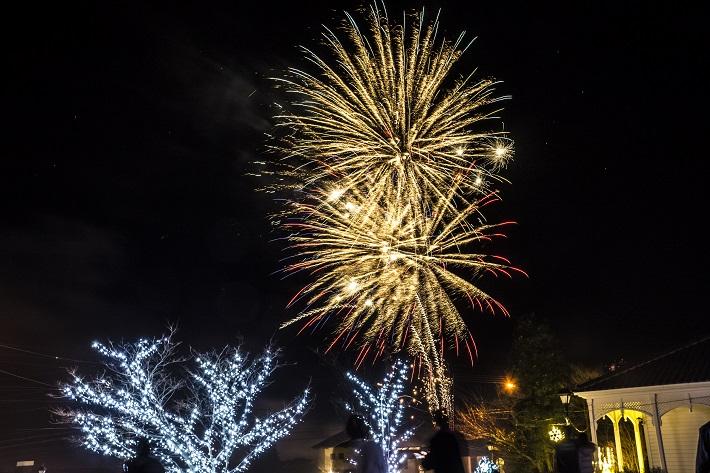 【明日(2月13日(土))、雲仙で花火あがるYOー】~雲仙灯りの花ぼうろ