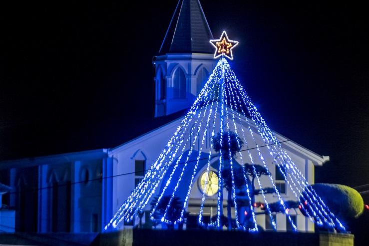 丸尾教会(長崎県上五島町)のクリスマスイルミネーション