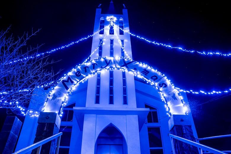 桐教会(長崎県上五島町)のクリスマスイルミネーション
