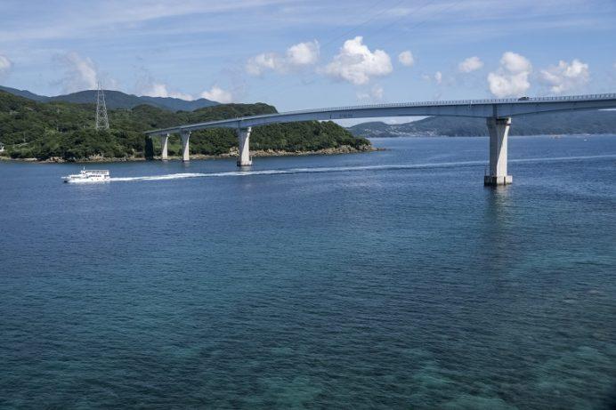 伊王島大橋(長崎市香焼町と伊王島を結ぶ)
