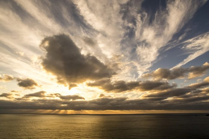 樺島灯台公園(長崎市野母崎地区)の夕景